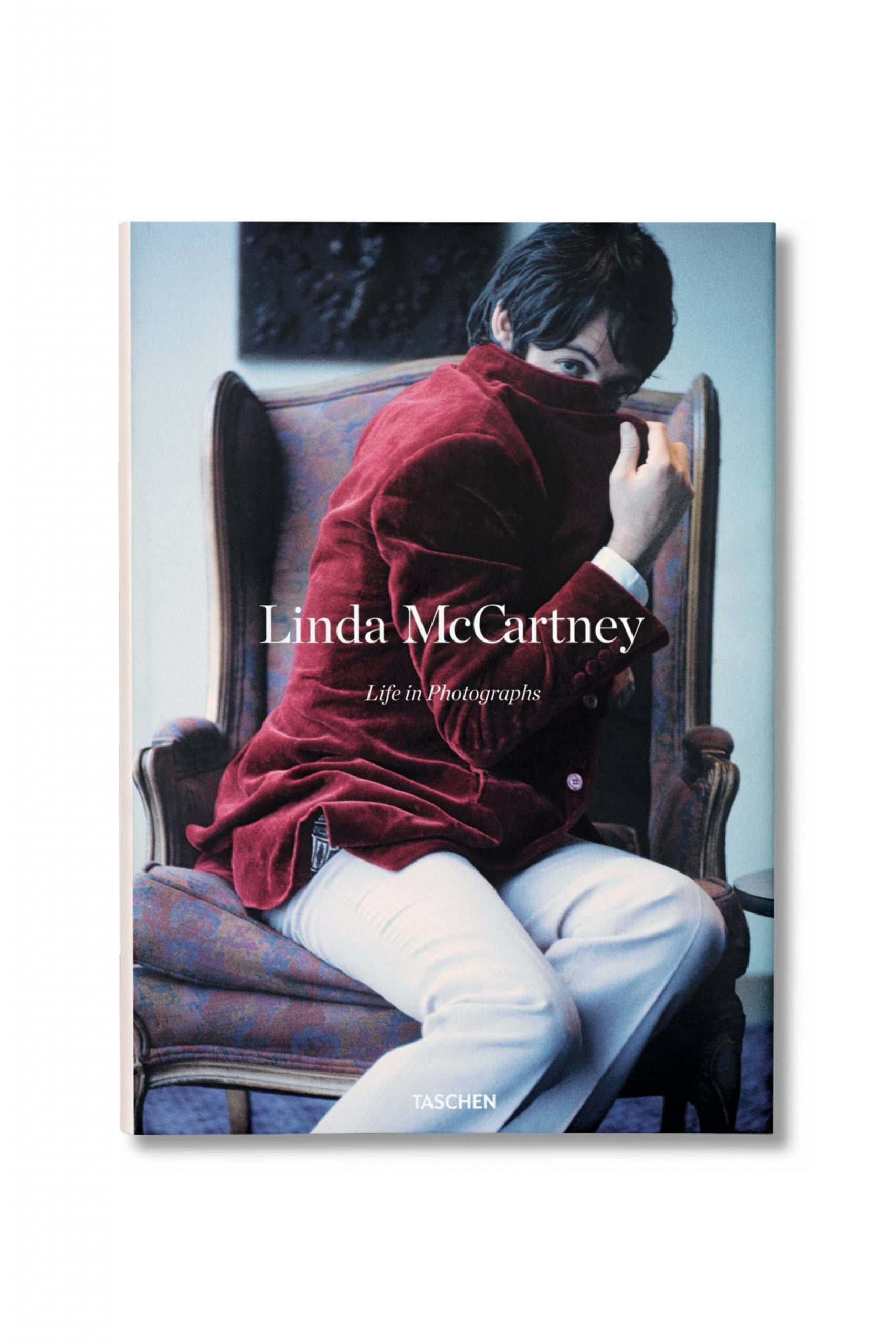 <p class='small-title'>TASCHEN</p>LINDA MCCARTNEY LIFE IN PHOTOGRAPHS