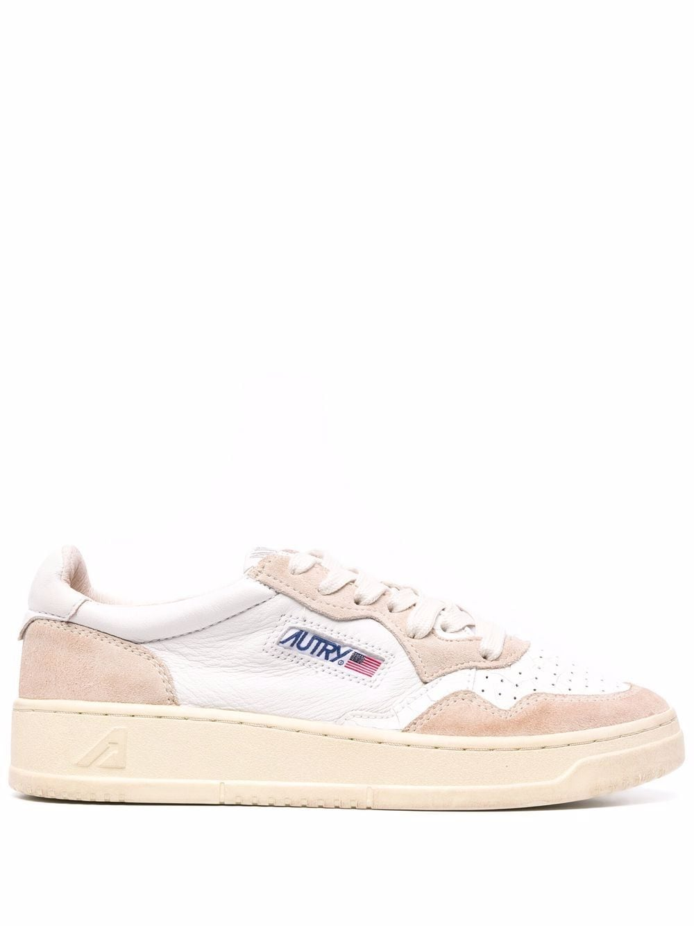 <p class='small-title'>AUTRY</p>Sneakers Leather and Suede