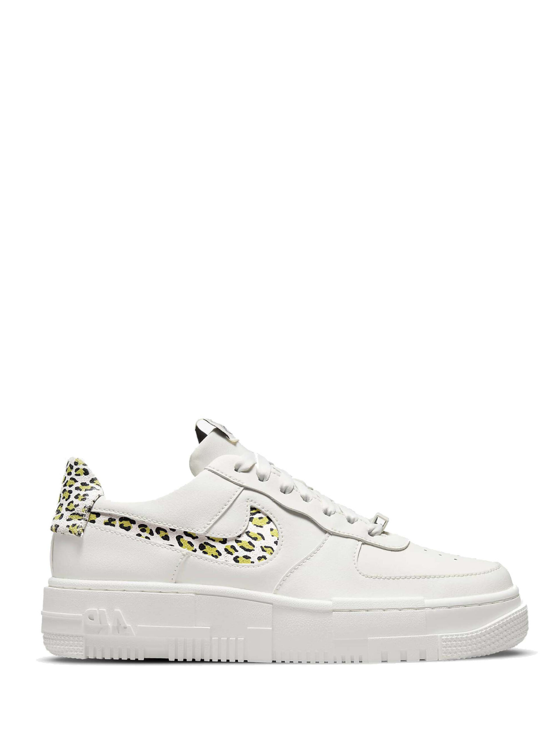 <p class='small-title'>NIKE</p>Nike Air Force 1 Pixel SE